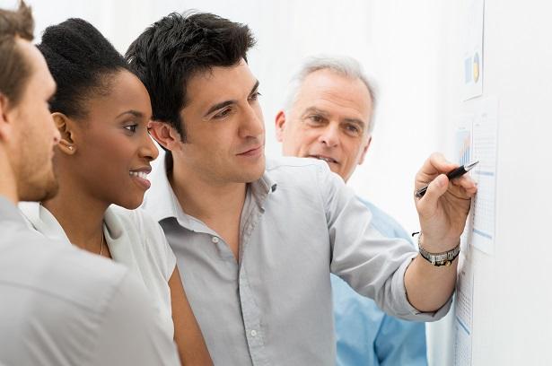Ateliers Job Motivation Consultance Accompagnement Formation Paris coaching en entreprise co-création inter-relationnelle Accompagnement CARRIÈRE et DEVELOPPEMENT carrière et développement  Analyzing Graph